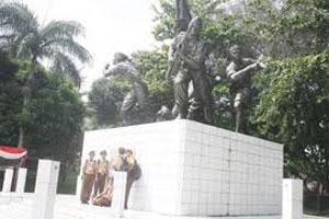 SIMBOL PERJUANGAN : Salah satu sudut Monumen Perjuangan Palagan Bojongkokosan di Desa Bojongkokosan Kecamatan Parungkuda.