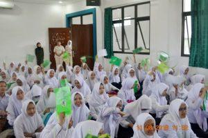 Keceriaan dalam acara 300x200 - 288 Mahasiswa Baru Ikut LKMM