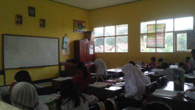 guru honorer mogok mengajar