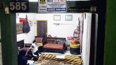 Situasi di rumah duka Muha 390x220 - Pengakuan Keluarga Korban Longsor Proyek Double Track