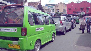 Jalan Stasiun Timur Sukabumi 390x220 - Sistem Satu Arah Belum Optimal, Jalan Stasiun Timur Kerap Macet