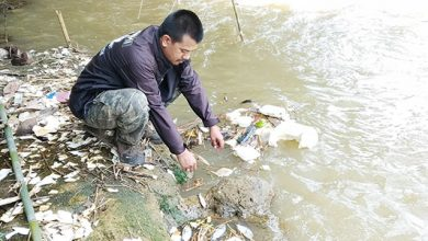 Sungai Cimahi Tercemar 1 390x220 - Pencemaran Sungai Cimahi, DLH Jangan Setengah Hati