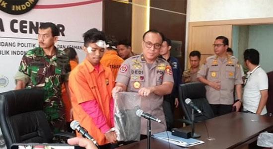 Brigjen Dedi Prasetyo dan tersangka Andri Bibir - Oknum Brimob Terlibat Aniaya di Aksi 22 Mei, Akan Ditindak tegas