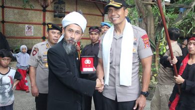 Irjen Pol Rudy Sufahriadi Silaturahmi Ulama Sukabumi3 390x220 - Kapolda Jabar Minta Masyarakat Tak Ikuti Aksi People Power