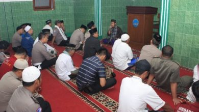 kh asep almawardi 390x220 - Tokoh Ulama Sukabumi Minta Masyarakat Tidak Ikut People Power