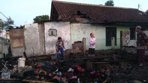 WhatsApp Image 2019 06 17 at 12.50.50 300x169 - Kebakaran Hanguskan 4 Rumah Buruh Tani di Kampung Nagrog Sukabumi