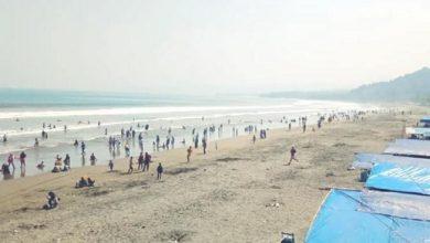 pantai palabuhanratu sukabumi 390x220 - 22 Orang Jadi Korban Ganasnya Laut Sukabumi