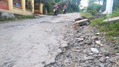 KOL 2 JPEG 3 390x220 - Jalan Penghubung Dua Kecamatan Rusak