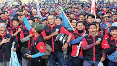 buruh 390x220 - Ratusan Buruh Tolak Revisi UU 13 Tahun 2003