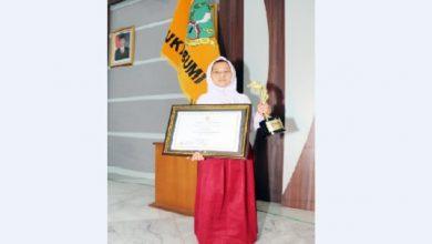 siswi SLB Budi Nurani 390x220 - Syifa Aulia, Siswi SLB Budi Nurani Kota Sukabumi Juara Lomba Puisi Nasional