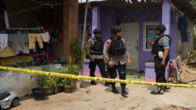 Densus 88 390x220 - Tujuh Terduga Teroris Tambun Ditangkap