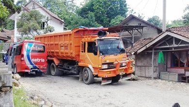 Jalan Rusak Padabeunghar 390x220 - 50 Km Jalan Pemprov Ancur