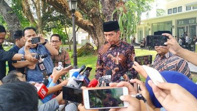 Jokowi Investigasi 390x220 - Dua Mahasiswa Kendari Tewas, Presiden Jokowi Minta Kapolri Investigasi