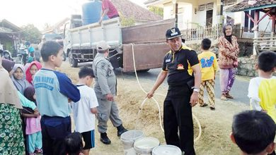 Sukabumi kekeringan 390x220 - Tiga Desa di Ciracap Krisis Air