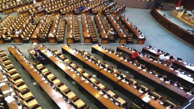 sidang DPR RI 390x220 - Demi Kursi Ketua MPR, Ini yang Dilakukan Golkar dan Gerindra