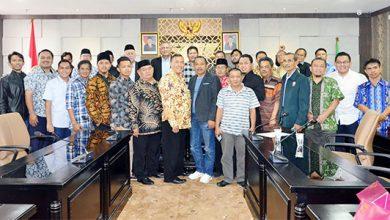 Dewan Perwakilan Rakyat Daerah Provinsi Jawa Barat 390x220 - DPRD Jabar Tagih Janji Emil Soal DOB KSU