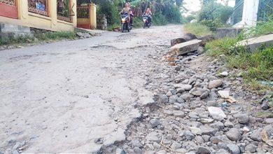JAlan Kab Sukabumi Rusak 390x220 - Tahun Ini, 316 Km Jalan Kabupaten Sukabumi Rusak