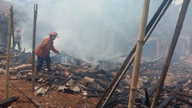KEbakaran Surade 390x220 - Empat Rumah di Surade Ludes Terbakar