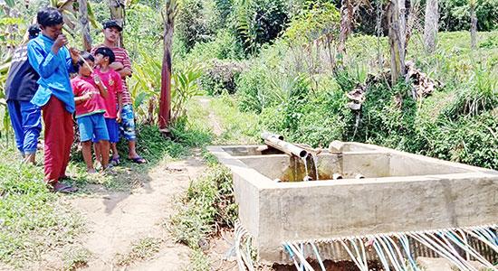 MCK - Kemarau, Warga Jogjogan Terpaksa Pakai Air Sawah
