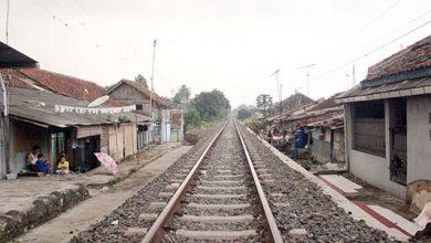 Rel Kereta 390x220 - Ratusan Rumah Terdampak Double Track