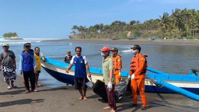 nelayan sukabumi 390x220 - Jasad Nelayan Sukabumi Ditemukan di Pantai Pangkalan Tasikmalaya