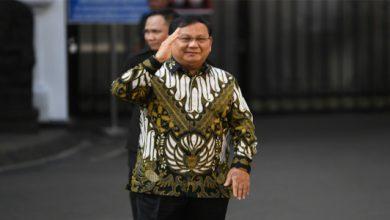 prabowo 390x220 - Bosnya Jadi Menhan, Heri Gunawan: Selamat Pak Prabowo