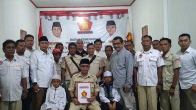 Ade Dasep WABUP 390x220 - Anak Yatim Temani Ade Dasep Kembalikan Formulir ke DPC Gerindra