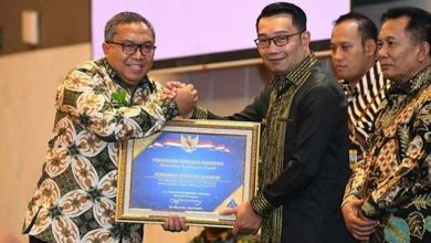 Bupati Marwan Hamami raih penghargaan 390x220 - Bulan Berkah, Bupati Sukabumi Dibanjiri Penghargaan