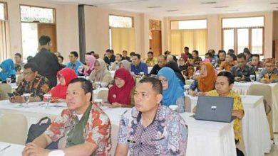 Dinas Komunikasi Informatika dan Persandian menggelar Bimtek 390x220 - DKIP Kabupaten Sukabumi Gelar Bimtek Statistik Sektoral