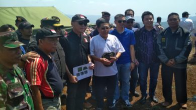 Iwan Bule Soccer Camp Cikidang 390x220 - PSSI Meninjau Lahan Soccer Camp di Cikidang Sukabumi