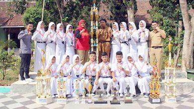 SMPN 15 Kota Sukabumi 390x220 - Ketika Paskibra SMPN 15 Kota Sukabumi Kembali Berprestasi