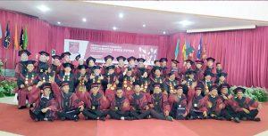 Universitas Nusa Putra wisuda2 300x153 - Lulusan UNP Sukabumi Siap Menyongsong Era 4.0