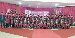 Universitas Nusa Putra wisuda3 300x153 - Lulusan UNP Sukabumi Siap Menyongsong Era 4.0