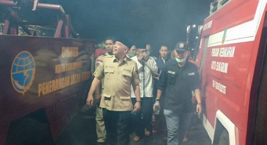 hergun tinjau kebakaran - Hergun Tinjau Lokasi Kebakaran Pasar Penampungan Sukabumi