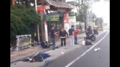 kecelakaan puncak 390x220 - Kecelakaan di Puncak, Honda Jazz Adu Bagong Dua Motor