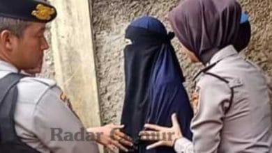 teroris cianjur 390x220 - Polisi Tangkap Wanita Bercadar Asal Cibodas Diduga Teroris, Suaminya Juga