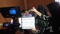 PROMOSI: Proses pengambilan gambar dalam pembuatan film pendek yang diperankan oleh para pelajar SMA Muhammadiyah Sukabumi yang berkolaborasi dengan jajaran UMMI.