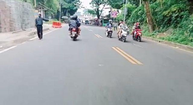 pemandu jalur alternatif Puncak