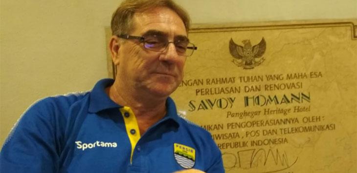 Pelatih Persib Bandung, Robert Alberts