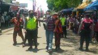 dua warga saat kunjungan Presiden Joko Widodo (Jokowi)