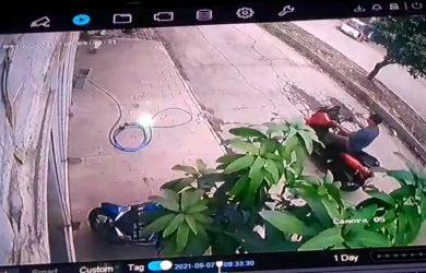 Rekaman CCTV Maling Motor
