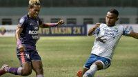 Pertandingan Persita Tangerang vs Persib Bandung
