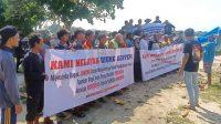 nelayan di Sukabumi melakukan aksi