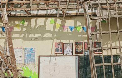 Sekolah-ambruk-di-Karawang